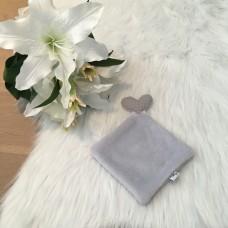 Doudou love fleece grijs