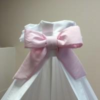 Hemel in voile romantische suéde wit met roze strik